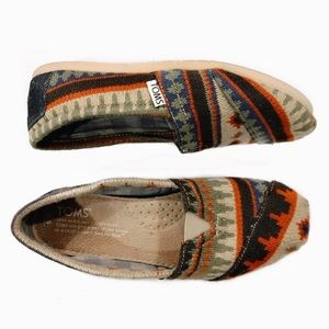 Cute patterned Tom's slip on shoes